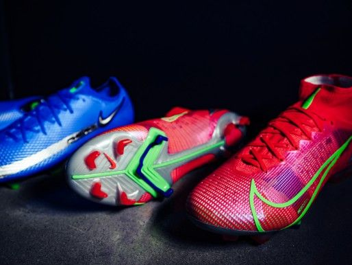 The ideal floor type of soccer shoes